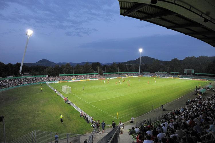 Fußball im Stadion des SSV Reutlingen